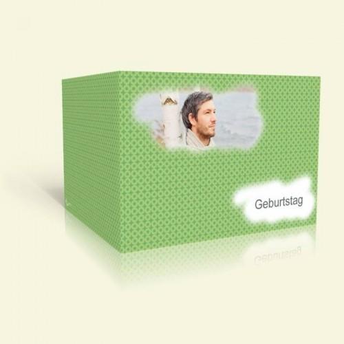 Einladung zum Geburtstag - Grünes Muster mit Wolken