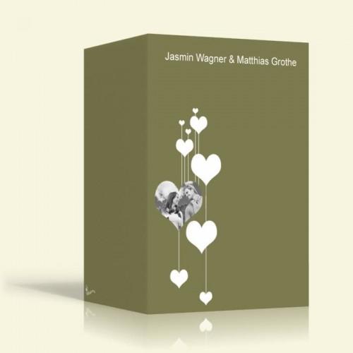 Hochzeitseinladungen - Herzen auf grün - Hochformt